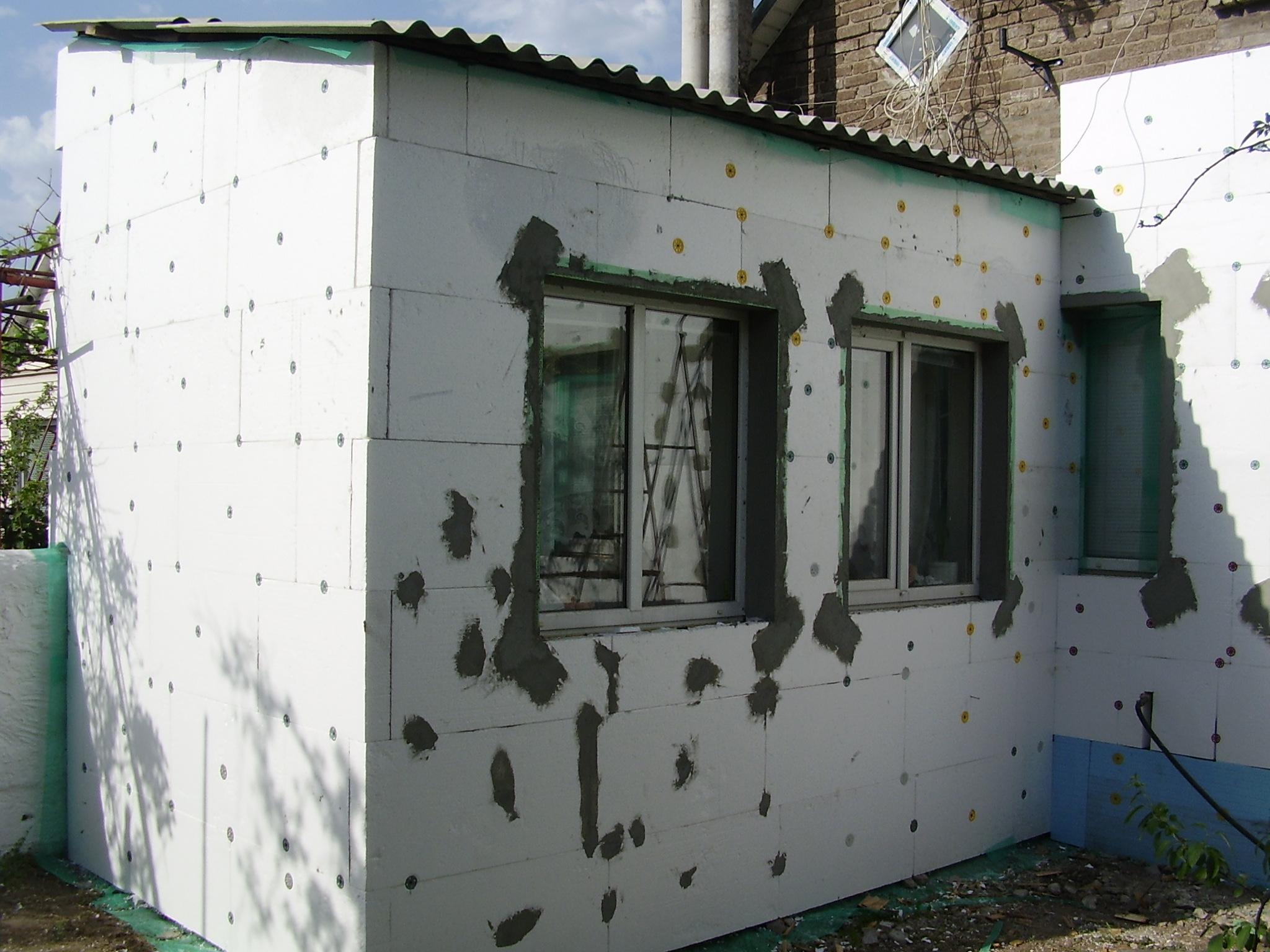 Обшить дом пенопластом своими руками